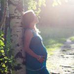 妊娠後期に下腹部痛が続く!便秘の痛みとの違いや影響と4つの対処法