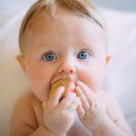 赤ちゃんの風邪ってどんな症状?乳児の風邪10つの対処法と予防法