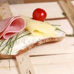 妊婦はナチュラルチーズを食べちゃダメ?影響と安全チーズ5つの栄養素