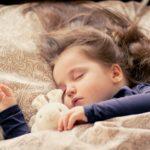赤ちゃんのまつげが長い!乳幼児のまつ毛が長い・短い原因と切る?切らない?3つの注意点