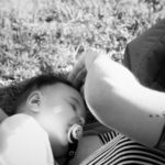 妊娠超初期はくしゃみが止まらない?2つの原因とくしゃみの赤ちゃんへの影響