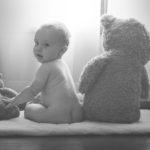 赤ちゃんの口が臭い!口臭の原因と母乳の関係、7つの口臭予防方法