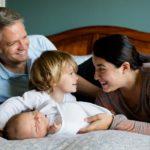 赤ちゃんが笑う時期は生後いつから?笑う理由と笑い出すタイミング